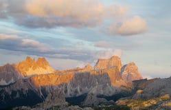 Vista di tramonto delle alpi della dolomia bella Fotografia Stock