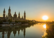 """Vista di tramonto di sera della cattedrale del Basilica†"""" Fotografie Stock Libere da Diritti"""