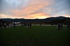 Vista di tramonto in Napa Valley, catena montuosa, campo Fotografie Stock Libere da Diritti