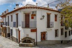 Vista di un angolo di strada di un villaggio di La Alpujarra, Granada, S Fotografia Stock