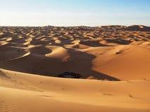 Vista di un campeggio in Sahara Desert Fotografie Stock Libere da Diritti