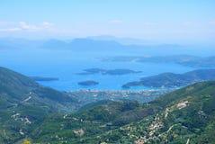 Vista di una costa dell'isola da un'alta montagna Fotografie Stock Libere da Diritti