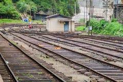Vista di una stazione ferroviaria nel villaggio di Nanu Oya, lan di Sri fotografia stock