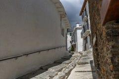 Vista di una via nel villaggio di Capileira in La Alpujarra, Gr Fotografia Stock Libera da Diritti