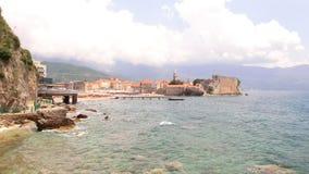 Vista di vecchia città Budua montenegro fotografia stock libera da diritti