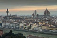 Vista di vecchia città di Firenze nella mattina del fogy Fotografia Stock Libera da Diritti
