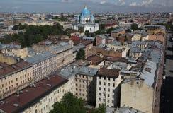 Vista di vecchia città europea da altezza del volo dell'uccello San Pietroburgo, Russia, Europa settentrionale Fotografie Stock
