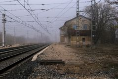 Vista di vecchia stazione ferroviaria immagine stock