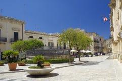 Vista di vecchio centro della città di Scicli, un sito del patrimonio mondiale dell'Unesco immagini stock libere da diritti