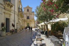 Vista di vecchio centro della città di Scicli, un sito del patrimonio mondiale dell'Unesco fotografia stock