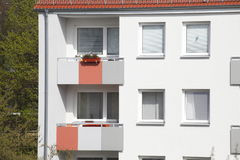 vista di verticale degli appartamenti del blocco Immagine Stock