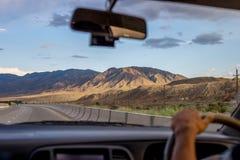 Vista di viaggio stradale delle montagne Fotografia Stock Libera da Diritti