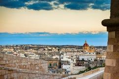 Vista di Victoria, Gozo, Malta Va rotunda di St John il battista Fotografie Stock Libere da Diritti
