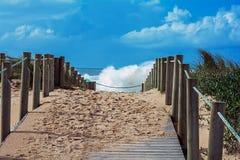 Vista di vista sul mare della tempesta Fotografie Stock Libere da Diritti