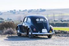 Vista di Volkswagen Beetle dalla parte posteriore immagini stock libere da diritti