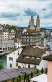 Vista di Zurigo centrale dalla cima del Lindenhof, Swizterla Fotografia Stock Libera da Diritti