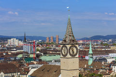 Vista di Zurigo dalla torre della cattedrale di Grossmunster Immagini Stock Libere da Diritti