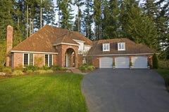 Vista dianteira da casa luxuosa Imagem de Stock