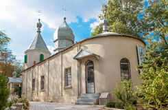 Vista dianteira da igreja ortodoxa em Moldova Fotografia de Stock