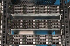 Vista dianteira de um servidor poderoso do computador Fotos de Stock