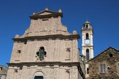 Vista dianteira de uma igreja típica em Córsega Fotos de Stock Royalty Free