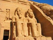 Vista dianteira do templo do rei Ramses II fotografia de stock royalty free