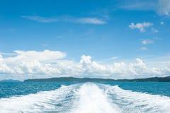 Vista dietro la barca di velocità Fotografia Stock