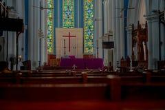 Vista diritta della cattedrale anglicana Singapore di St Andrew s fotografia stock libera da diritti