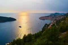 Vista distante de Dubrovnik imágenes de archivo libres de regalías