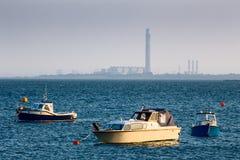 Vista distante de la central eléctrica del grano Foto de archivo libre de regalías