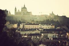 Vista distante della cattedrale a Madrid Immagine Stock Libera da Diritti