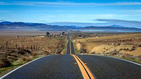 Vista a distanza della strada principale di California fotografia stock libera da diritti