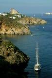 Vista do beira-mar de Panarea dos barcos Imagens de Stock Royalty Free