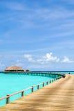 Vista do bungalow da água na ilha do irufushi, maldives Fotografia de Stock Royalty Free