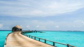 Vista do bungalow da água na ilha do irufushi, maldives Fotografia de Stock