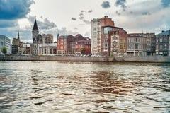 Vista do cais dos rios de Meuse imagens de stock