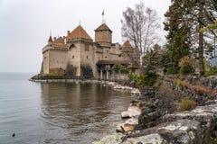 Vista do castelo de Chillon e do jardim Imagem de Stock Royalty Free