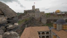 Vista do castelo de Jakeli aos fortres de Rabath em Akhaltsikhe, Geórgia Castelo de Lomisa ou complexo do castelo de Rabati video estoque
