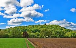 Vista do castelo de Peckforton, na fuga do arenito, Cheshire fotografia de stock royalty free