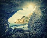 Vista do cave_vintage do mar foto de stock royalty free
