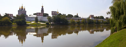 Vista do convento de Novodevichy em Moscovo Imagens de Stock