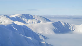 Vista do cume da montanha em baixo Tatras em Eslováquia imagens de stock