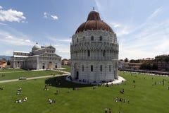 Vista do dei Miracoli Pisa da praça foto de stock