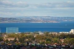 Vista do delta adiante dentro de Edimburgo e do litoral do pífano imagem de stock