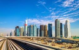 Vista do distrito das torres do lago Jumeirah em Dubai foto de stock