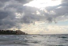Vista do Jaffa velho da praia de Tel Aviv fotografia de stock