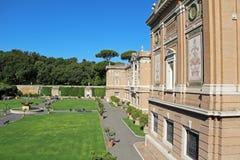 Vista do jardim do museu do Vaticano Roma, Italy, Europa imagem de stock