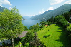Vista do lago do como Imagem de Stock Royalty Free