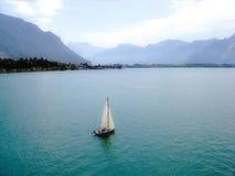 Vista do lago Genebra foto de stock royalty free