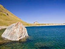 Vista do lago glacial no parque nacional Pelister em Macedónia foto de stock